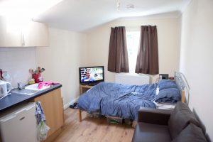 Newlyn Road 33221 300x200 - Newlyn-Road_33221