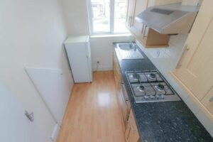 IMG 20210907 WA0031 300x200 - 1 Bed flat to rent Palmers Green