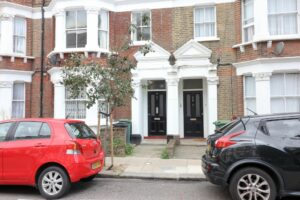Photo 17 09 2021 20 51 41 2 1 300x200 - 2 BEDROOM FLAT TO RENT CAMDEN NORTH LONDON
