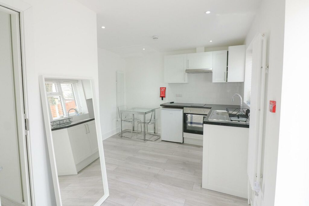 Photo 31 01 2021 19 27 11 1024x682 - STUDIO TO RENT SOUTH WOODFORD EAST LONDON